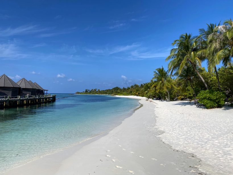 maldives-to-offer-holidaymakers-vaccines-on-arrival