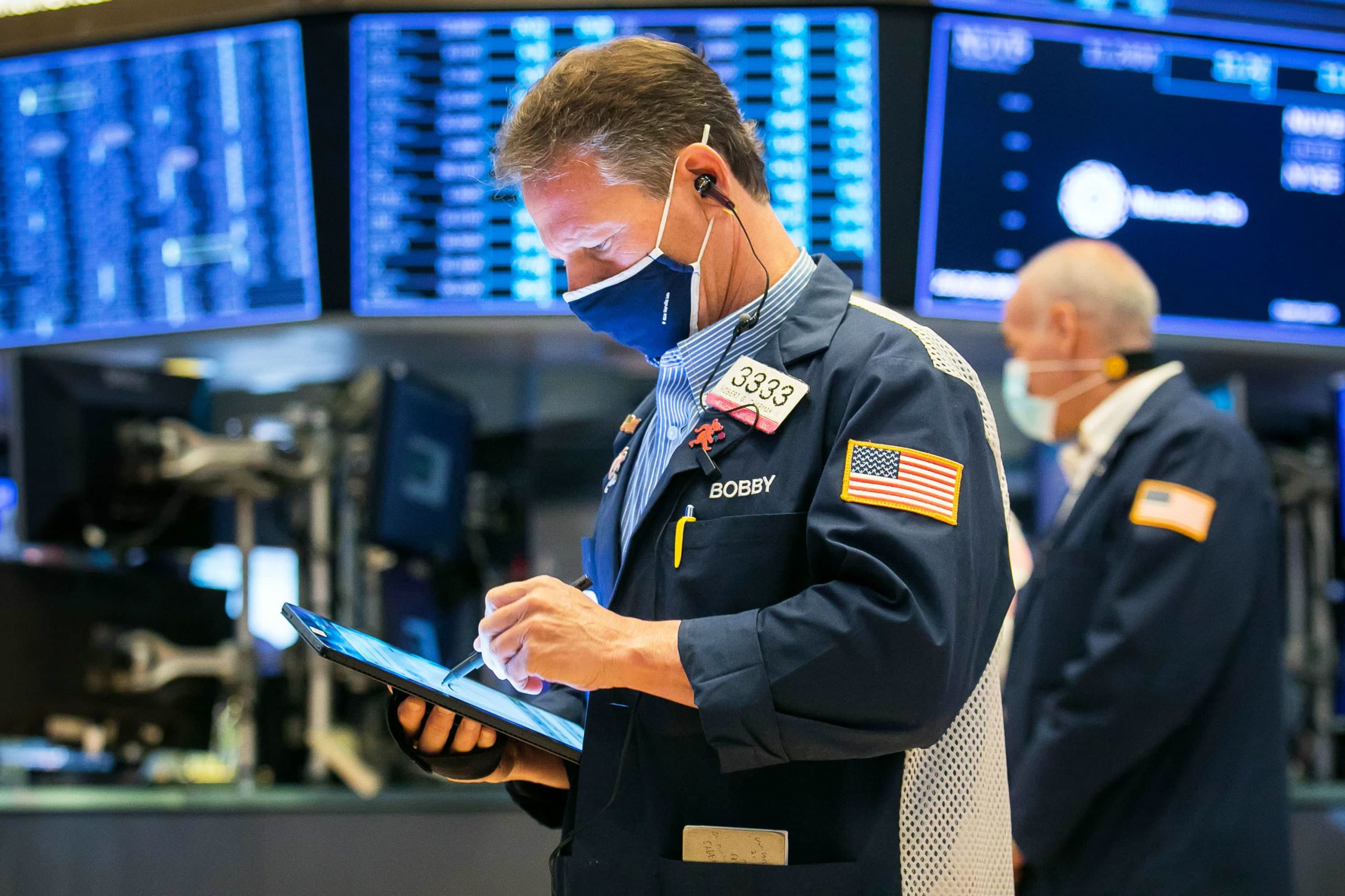 stock-futures-rise-ahead-of-first-trading-day-of-may