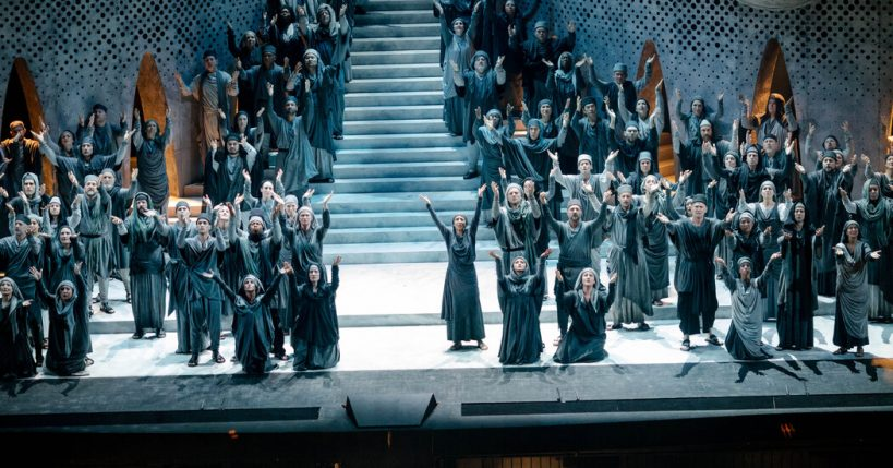 met-operas-deal-with-its-choristers-has-less-savings-than-it-sought