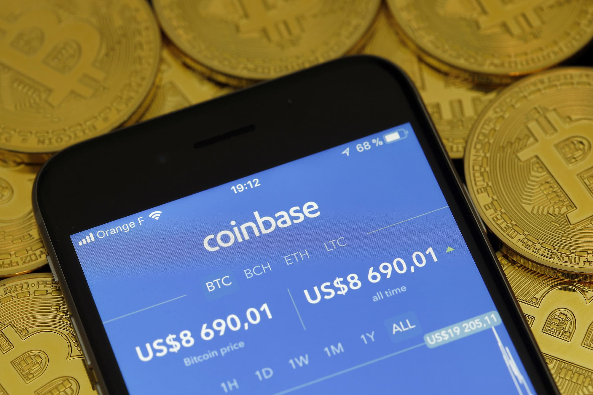 bitcoin-hits-new-all-time-high-above-63000-ahead-of-coinbase-debut