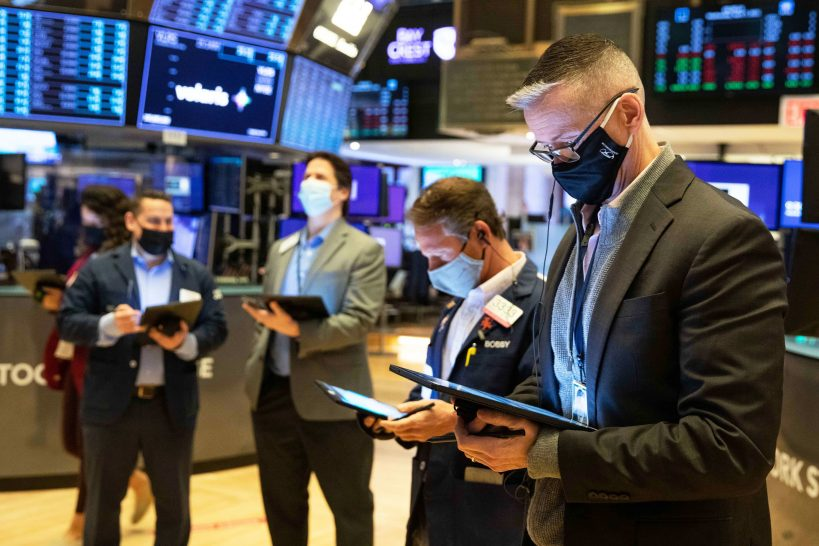 stock-futures-flat-as-big-tech-earnings-roll-in-fed-decision-looms