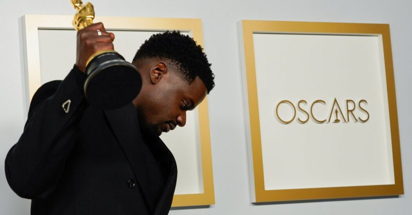 oscars-ratings-plummet-with-fewer-than-10-million-tuning-in