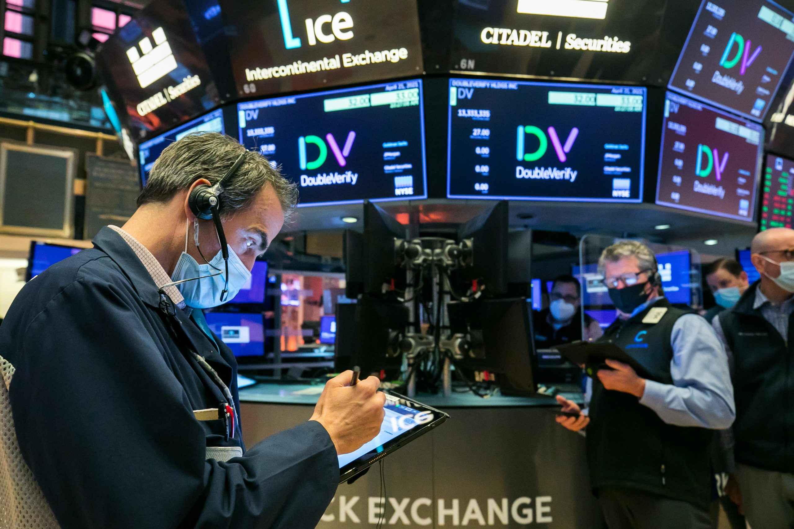 stock-futures-are-flat-after-a-solid-start-to-may