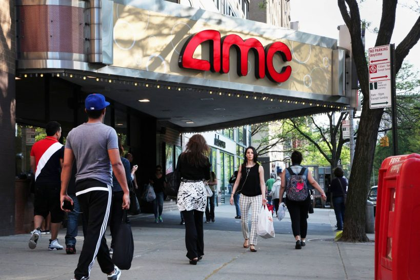 amc-shares-rally-back-from-30-decline-then-turn-negative-again-in-another-wild-day