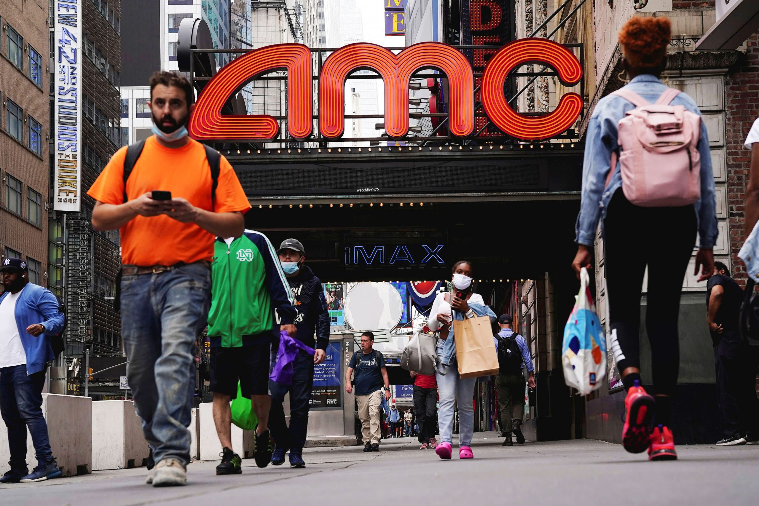 amc-stock-jumps-nearly-15-as-retail-fueled-rally-stretches-to-another-week