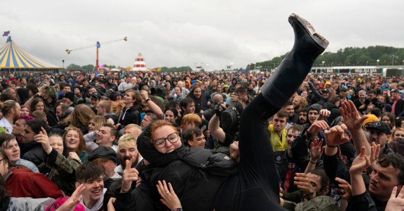 moshing-in-the-rain-the-tenuous-return-of-the-british-music-festival